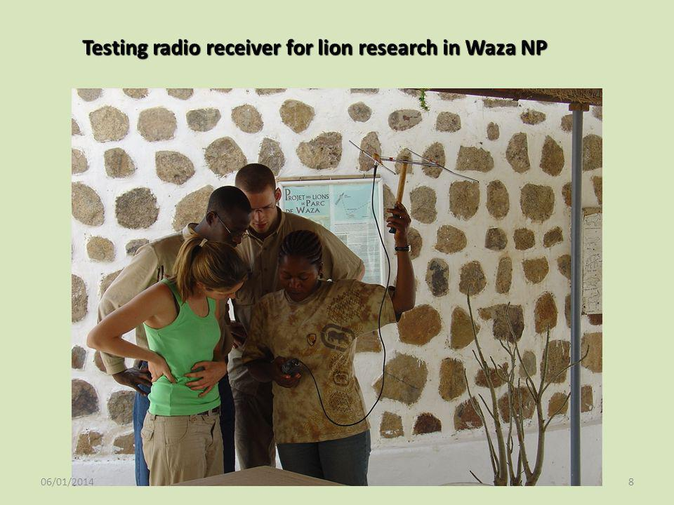 Testing radio receiver for lion research in Waza NP 06/01/20148