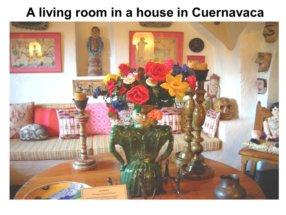 A living room in a house in Cuernavaca
