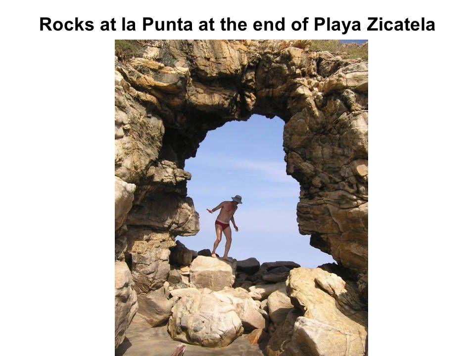 Rocks at la Punta at the end of Playa Zicatela