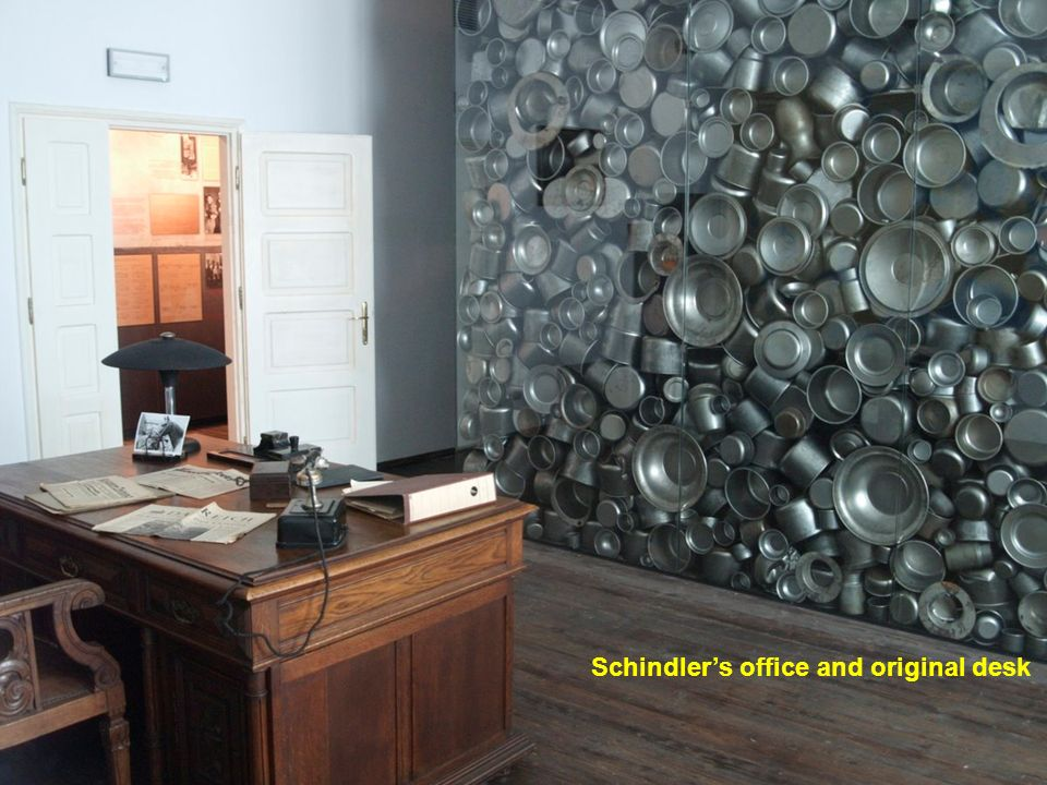 Schindlers office and original desk