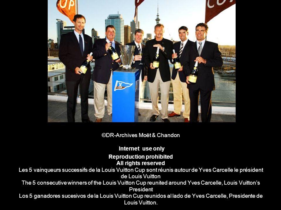 ©DR-Archives Moët & Chandon Internet use only Reproduction prohibited All rights reserved Les 5 vainqueurs successifs de la Louis Vuitton Cup sont réu