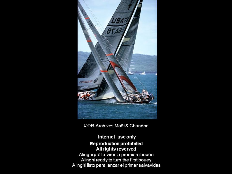 ©DR-Archives Moët & Chandon Internet use only Reproduction prohibited All rights reserved Alinghi prêt à virer la première bouée Alinghi ready to turn