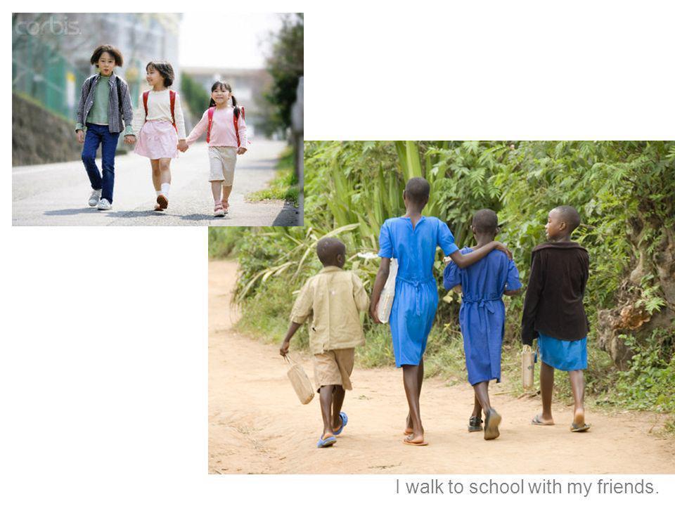 Camino a la escuela con mis amigos.