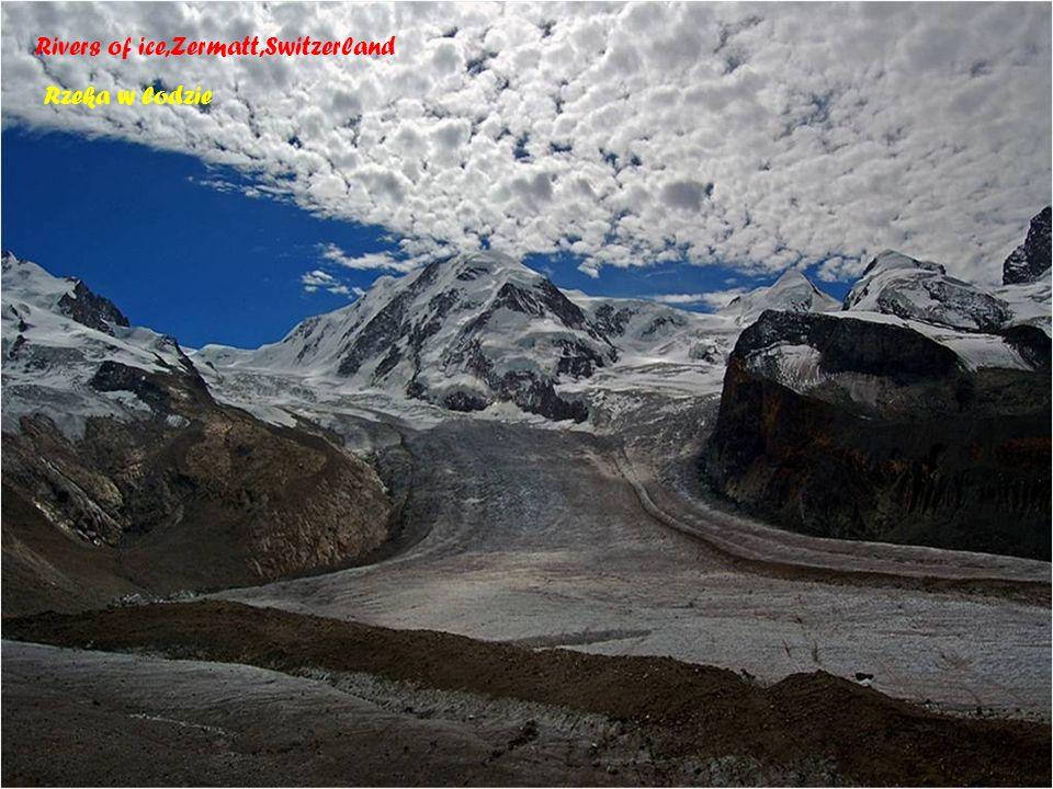 Switzerland - Jezioro u stóp Mattrhornu 1610 m n.p.m Zermatt - miejscowo ść w Szwajcarii w kantonie Valais, u podnó ż a Matterhornu.