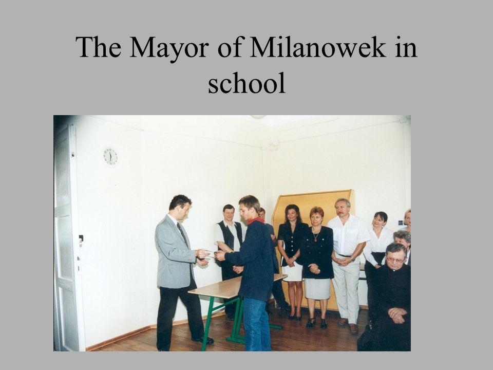 The Mayor of Milanowek in school