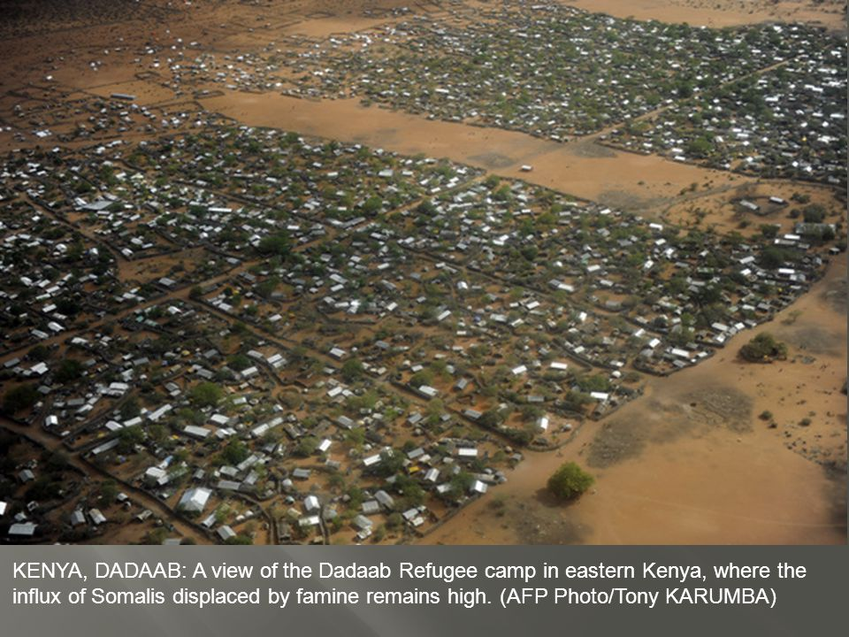 KENYA, DADAAB: Tents fill the outskirts of Dagahaley refugee camp in Kenya s Dadaab refugee complex.