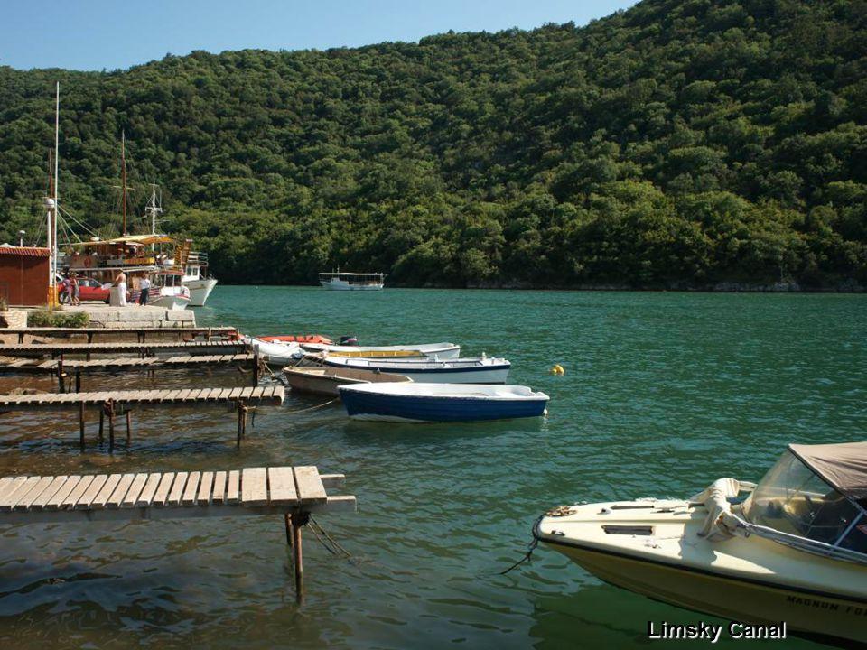 2009.08.10.Croatia- Istria33 Limsky Canal