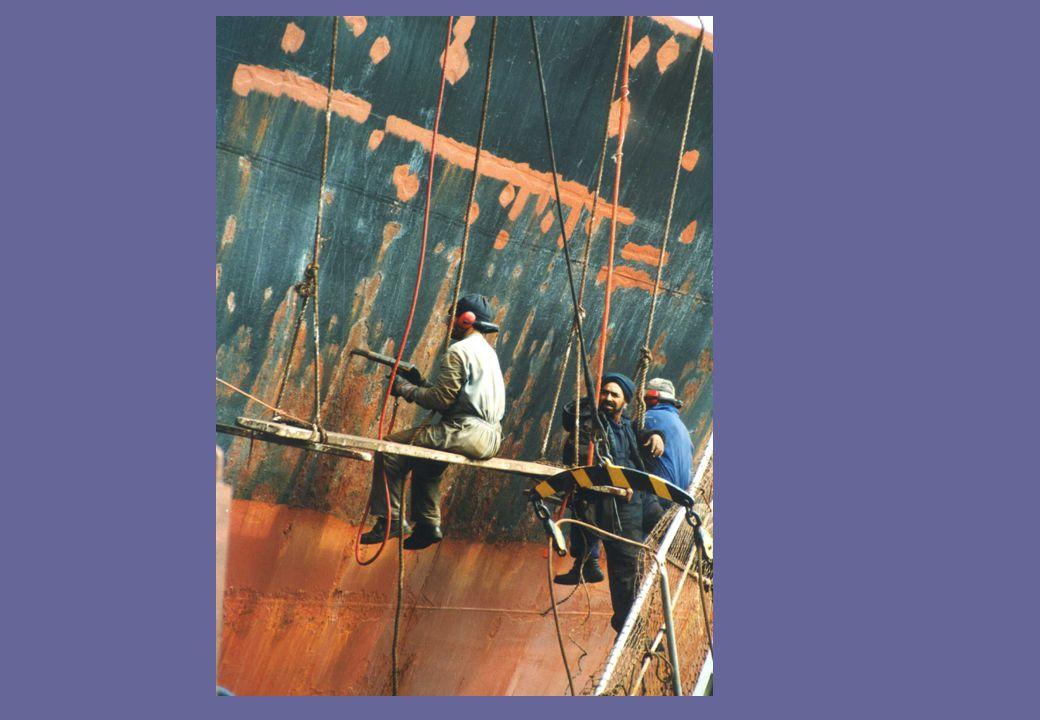 A World Estimate of Lives Lost at Sea