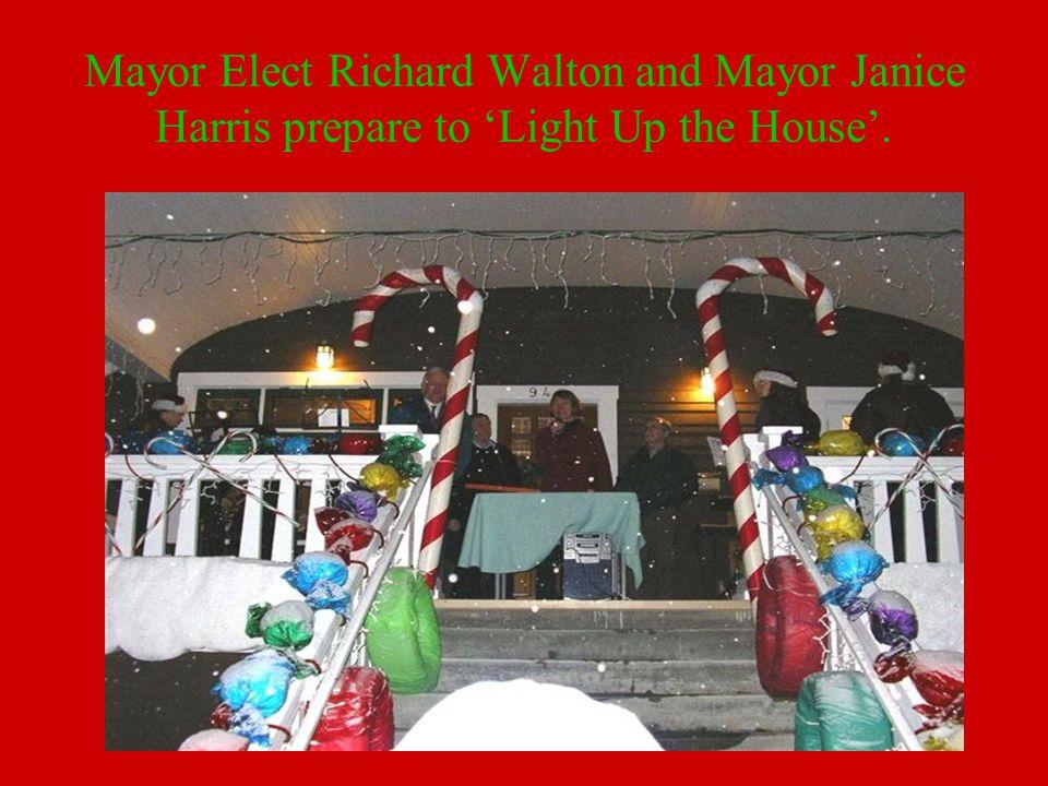Mayor Elect Richard Walton and Mayor Janice Harris prepare to 'Light Up the House'.
