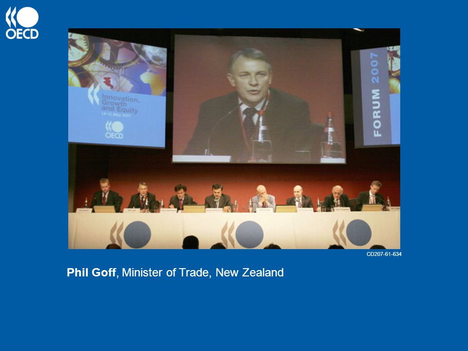 Phil Goff, Minister of Trade, New Zealand CD207-61-634