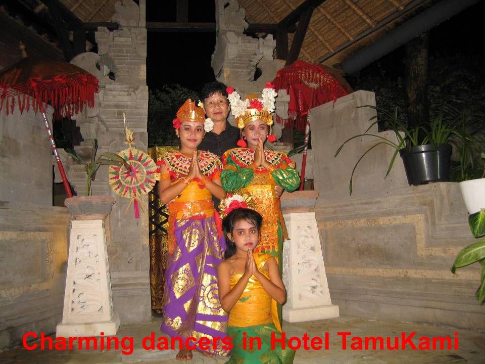 Charming dancers in Hotel TamuKami