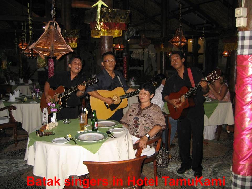 Batak singers in Hotel TamuKami