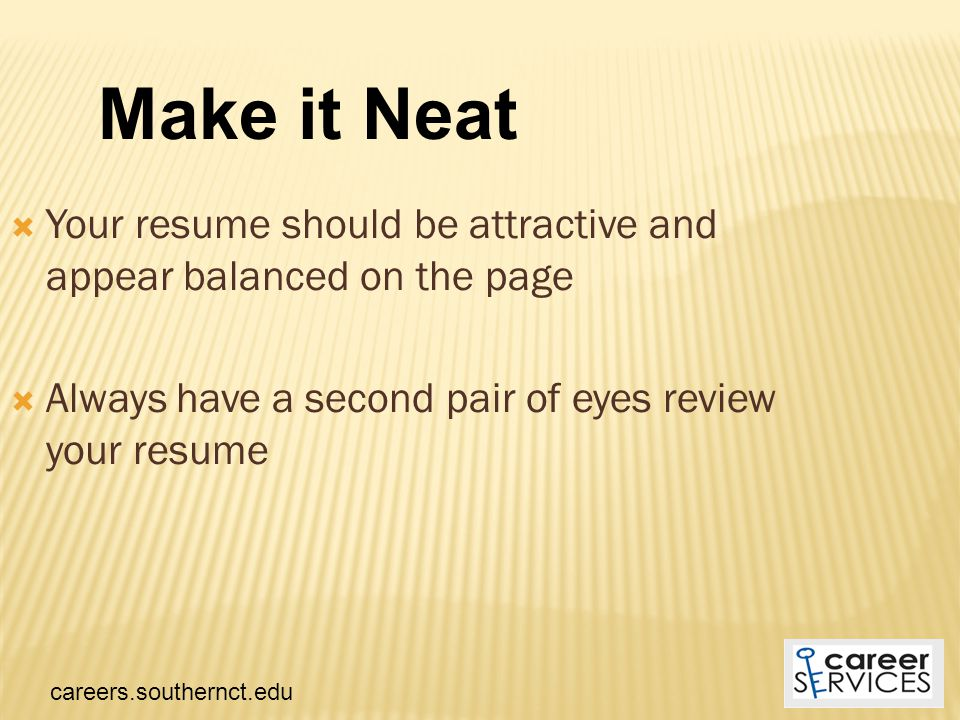  Keep your font size between 10-12 points, but consider that for some font styles, 10 may be too small  Use a basic font and keep consistent throughout the resume  Adjust the font size to get more information on a page or to fill up an empty page Super-size Me.