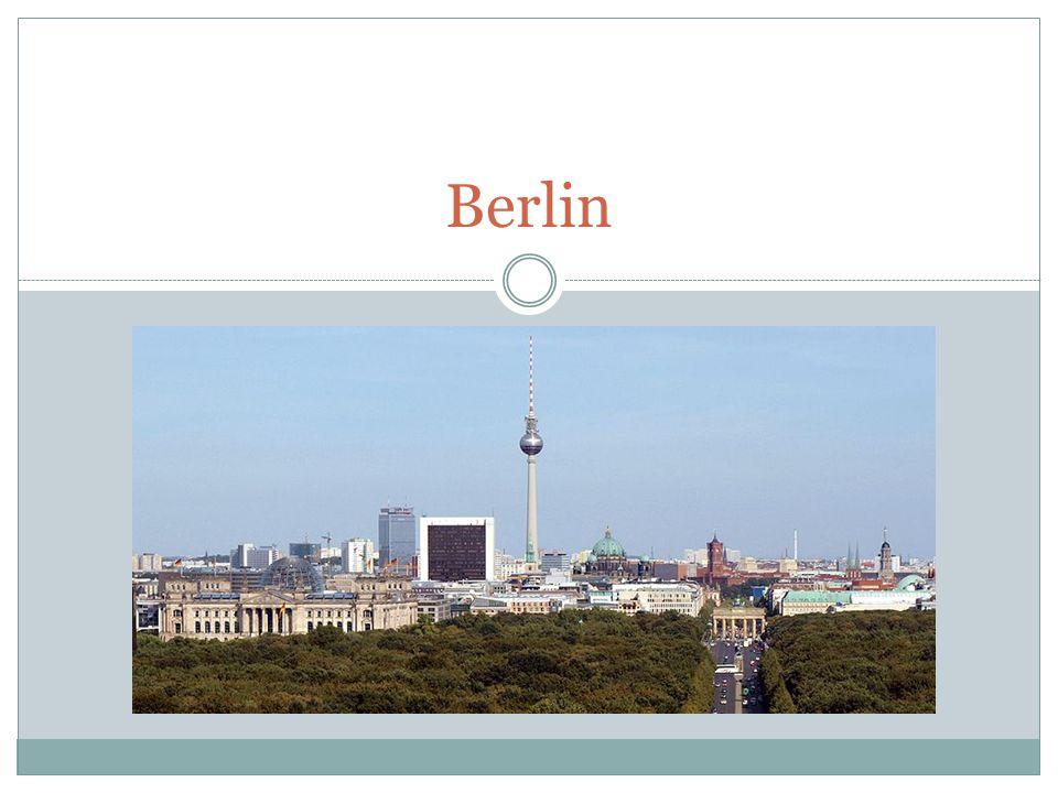 Fragen 1.Wie groß ist Berlin?A. In der Nähe (=close to) Polen 2.
