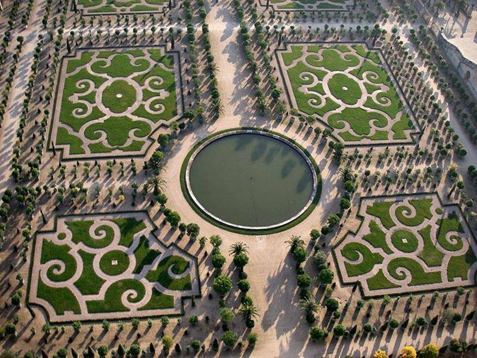 11 Holland s Keukenhof Gardens