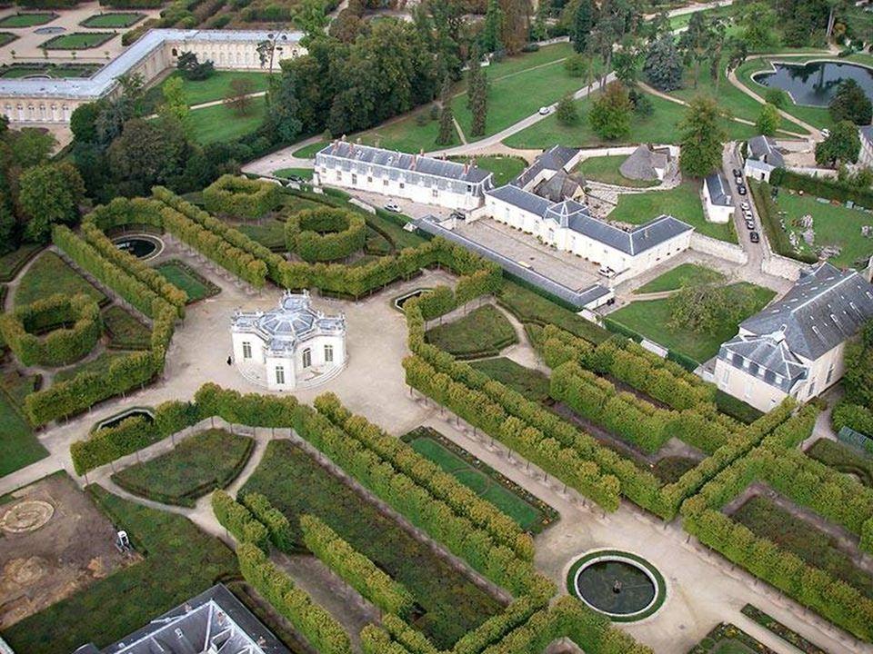 12 Mirabell Garden in Salzburg