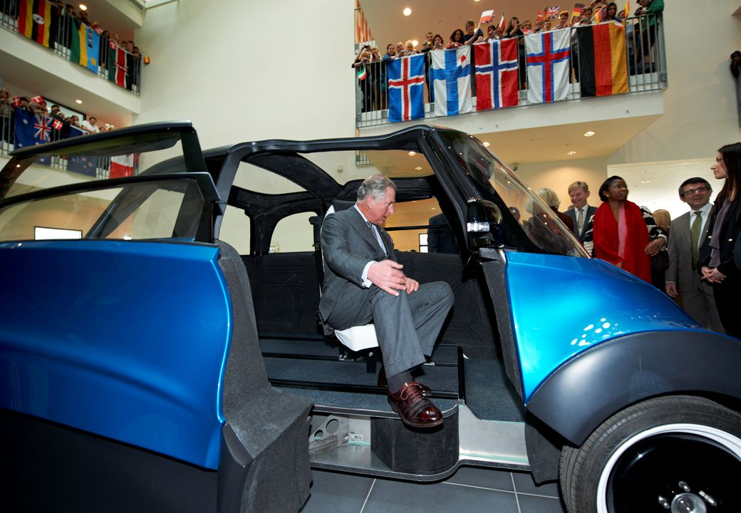 3 2009 ECOmove was formed to build electric cars Started 2003 building light weight sports cars 2003 2009 20102011 May 2009 ECOmove creation and initial investments November 2009 Employment of Mogens Løkke Spring 2010 Employment of full-time car designer, model builder and quality coordinator September 2010 First model presented to public and first LoI and reservation received September 2010 Second investment from investor and first investment from CEO.