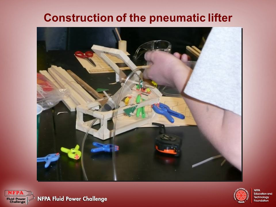 Steve Rogers demonstrates the pneumatic lifter and offers advice on the challenge
