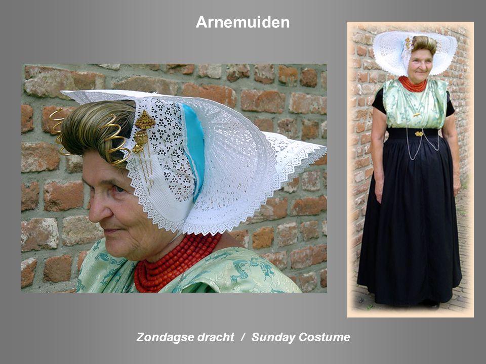 Zondagse dracht / Sunday costume Axel