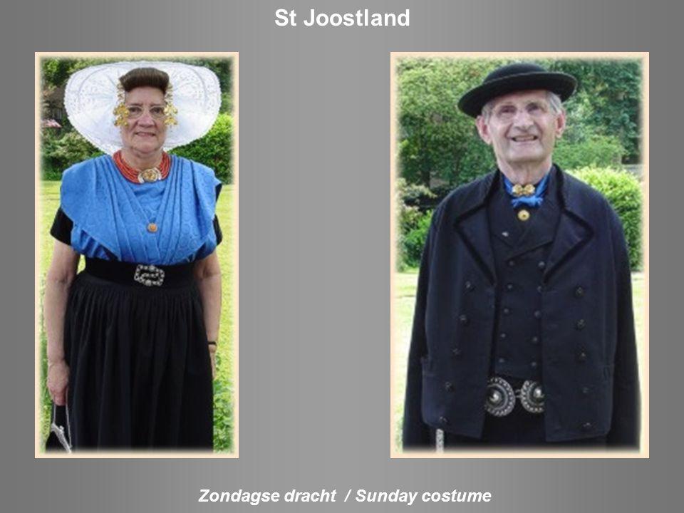 Dracht van het ambacht Costume of the profission Achterkant van het hoofddeksel Backside of the head Middelburg