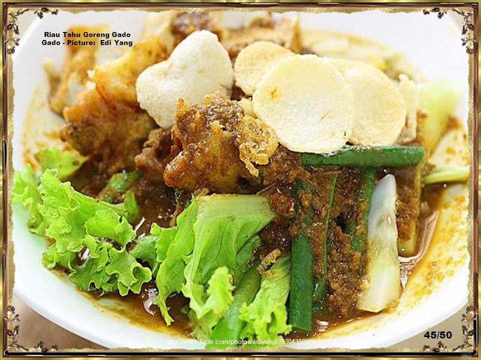 http://www.flickr.com/photos/ediyang/3533361268/ Riau Chicken Curry Bihun - Picture: Edi Yang 44/50