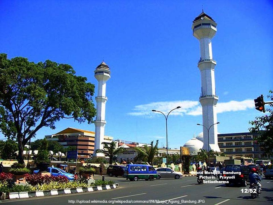 http://commons.wikimedia.org/wiki/File:Savoy_Homann_Hotel_Front.JPG Savoy Homann Hotel Bandung - Picture: Gunawan Kartapranata 11/52