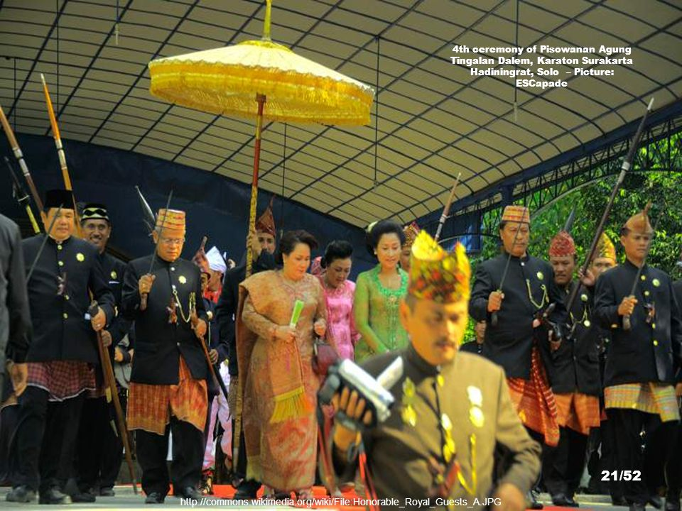http://commons.wikimedia.org/wiki/File:Pura_Mangkunagaran01(2_Maret_2007).jpg Pura Mangkunagaran Surakarta – Picture: Meursault2004 20/52