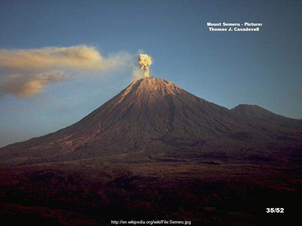 Mt. Bromo Mount Semeru Mount Batok Tengger Caldera, East Java - Picture: ©haddock 34/52 http://farm4.static.flickr.com/3090/2744321685_e404711450_z.jp