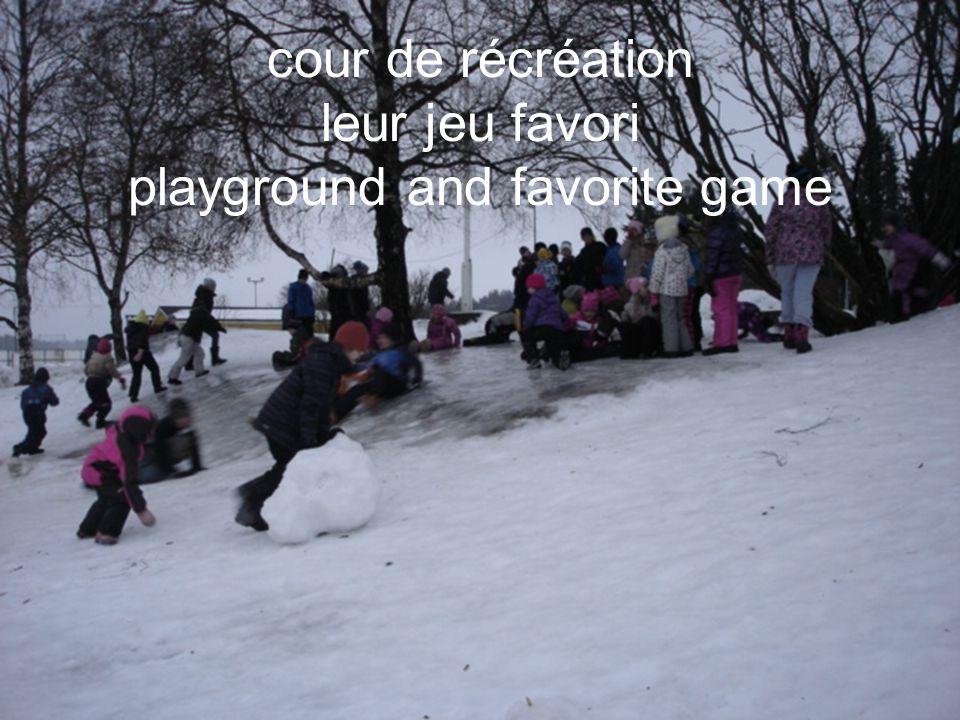 cour de récréation leur jeu favori playground and favorite game