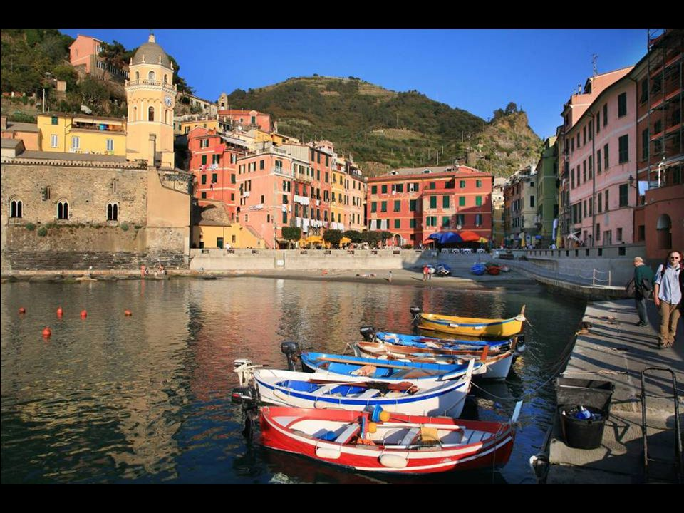 Cinque Terre, the village of Vernazza: Apparently, it is romantic here…