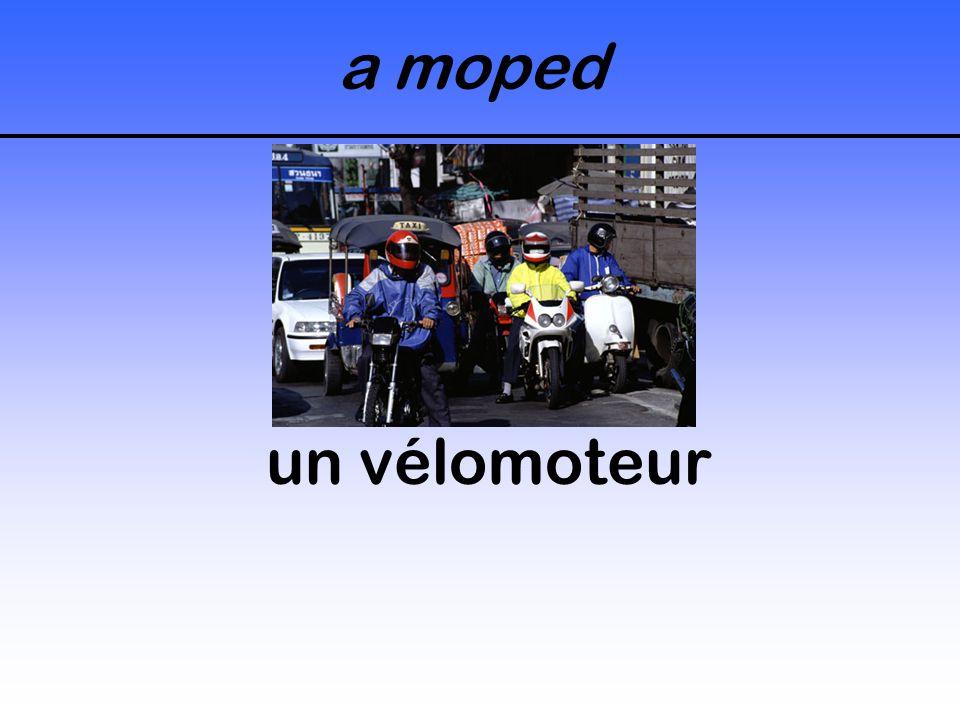 a moped un vélomoteur
