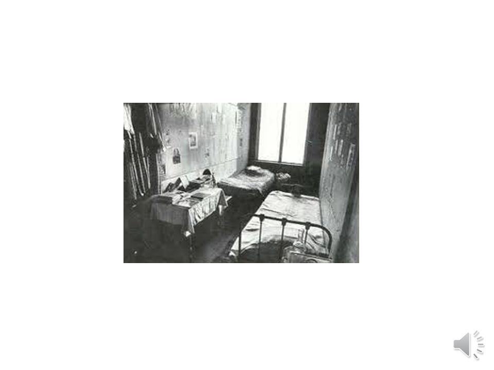 November17,1943 -January28, 1944 Annewantstohavefun. Anne'sfamilyissad. Jewishpeopleare gettinghurt.