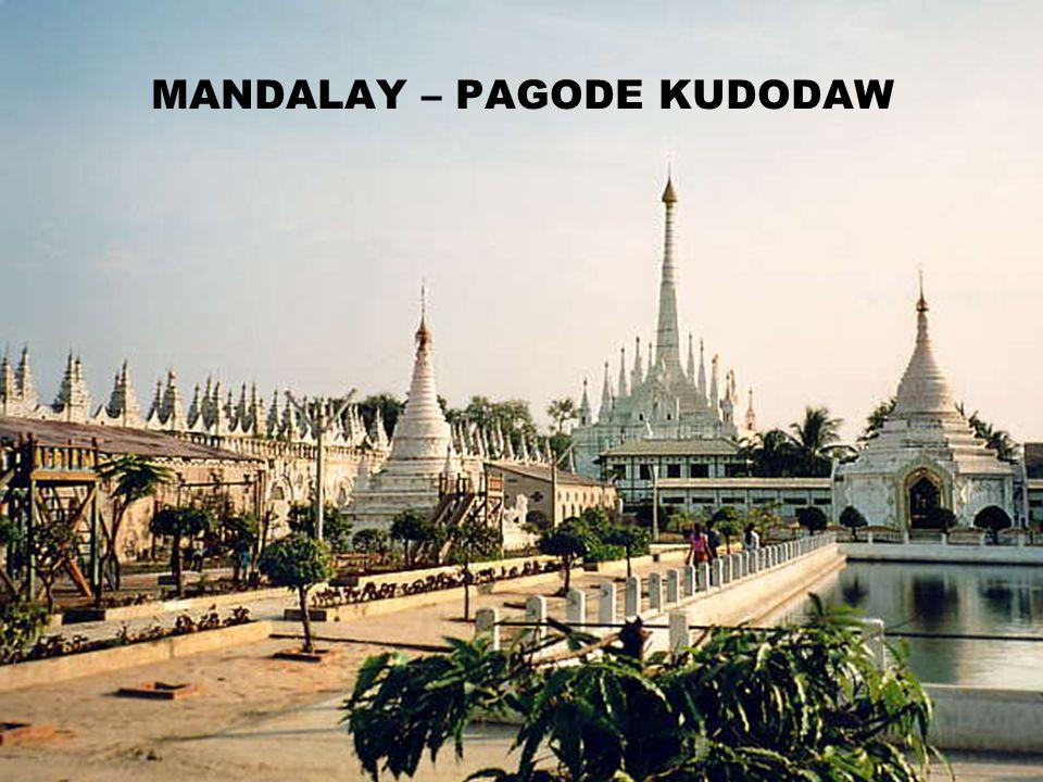 MANDALAY – PAGODE KUDODAW