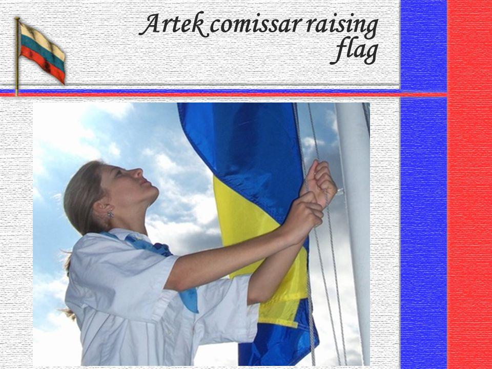 Artek comissar raising flag