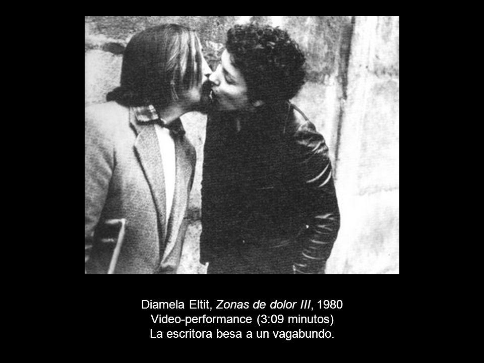 Diamela Eltit, Zonas de dolor III, 1980 Video-performance (3:09 minutos) La escritora besa a un vagabundo.