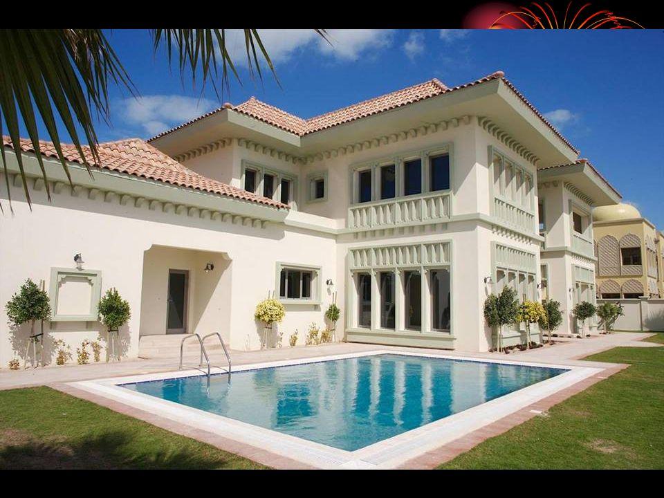 棕榈群岛 三 组并行 最 后一个 其 大无朋 三个棕榈岛上共有 2000 座 度假别墅和 40 个豪华酒店