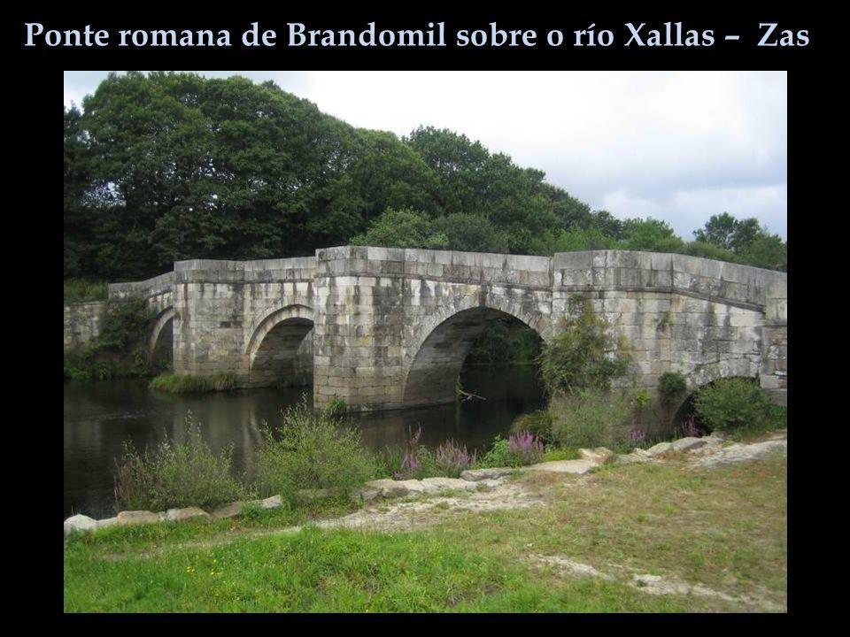 Ponte romana de Brandomil sobre o río Xallas – Zas