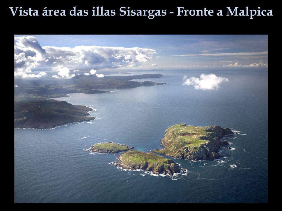 Vista área das illas Sisargas - Fronte a Malpica