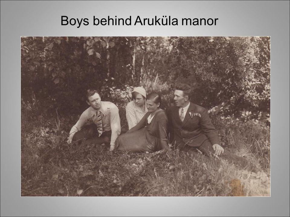 Boys behind Aruküla manor