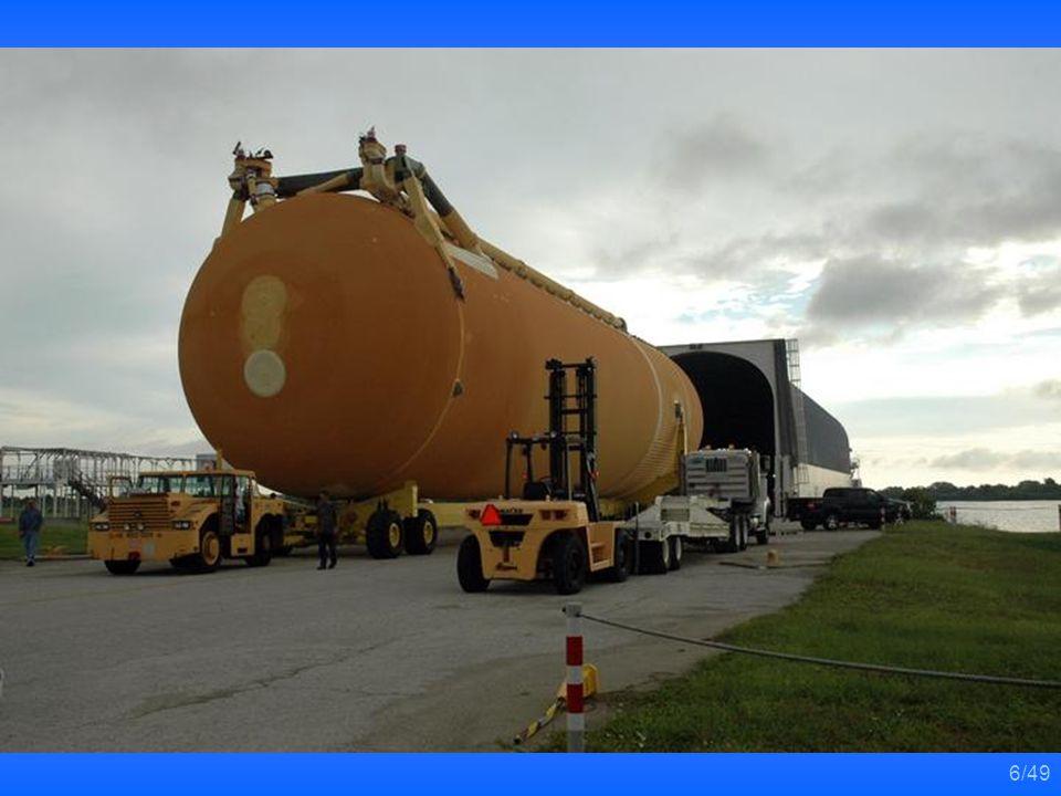 36/49 發現者號太空梭準備離開組裝廠