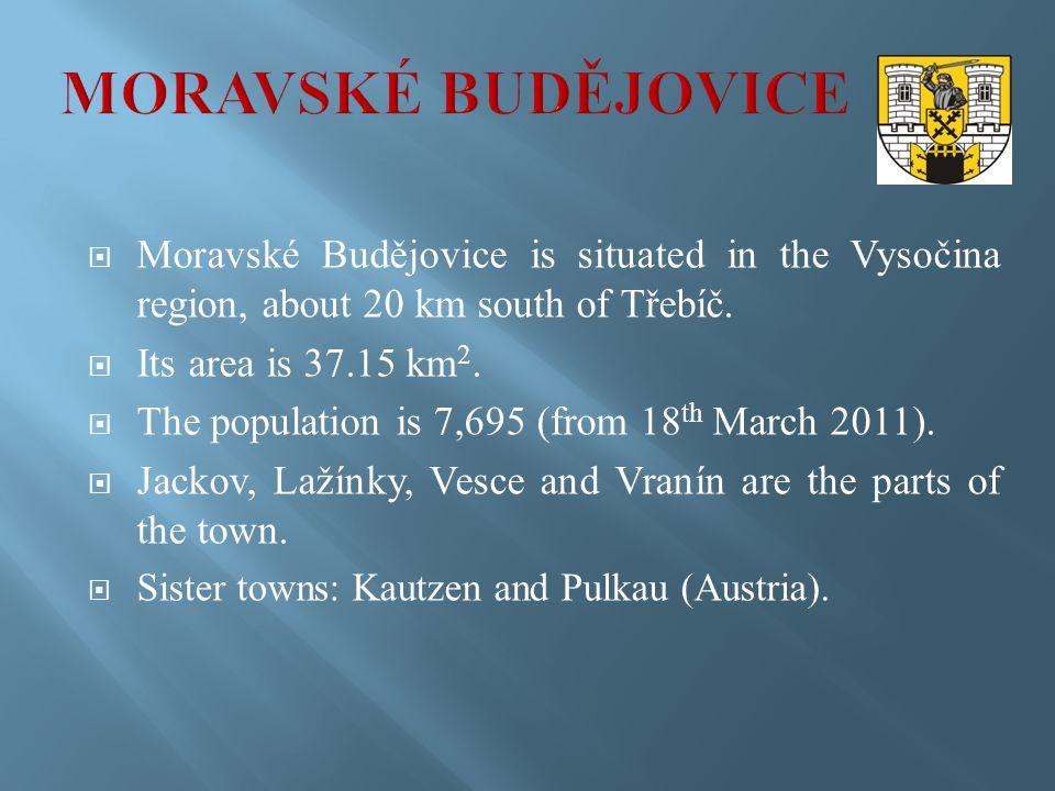  Moravské Budějovice is situated in the Vysočina region, about 20 km south of Třebíč.