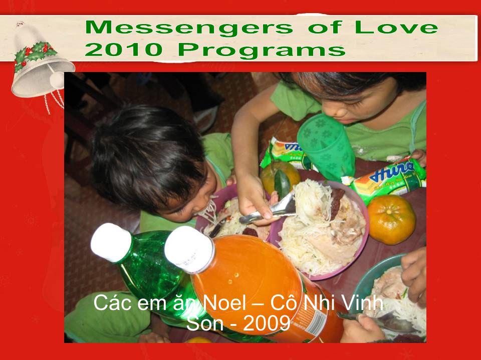 Các em ăn Noel – Cô Nhi Vinh Son - 2009