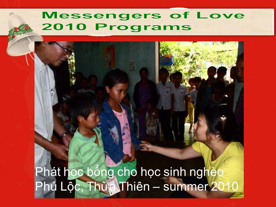 Phát học bổng cho học sinh nghèo Phú Lộc, Thừa Thiên – summer 2010