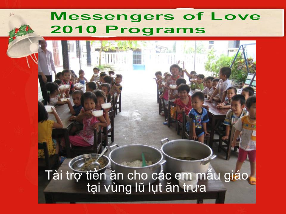 Tài trợ tiền ăn cho các em mẫu giáo tại vùng lũ lụt ăn trưa