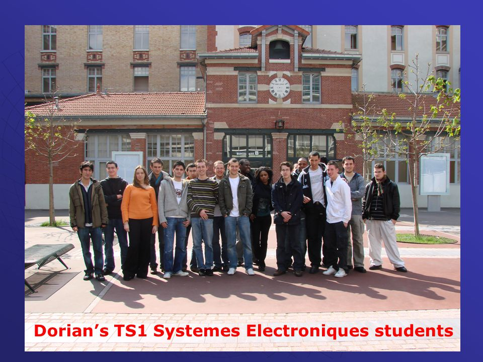 Dorian's TS1 Systemes Electroniques students