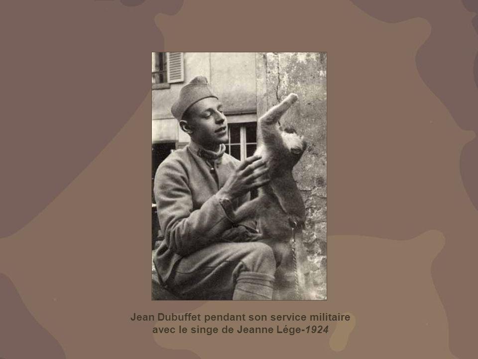 Jean Dubuffet pendant son service militaire avec le singe de Jeanne Lége-1924