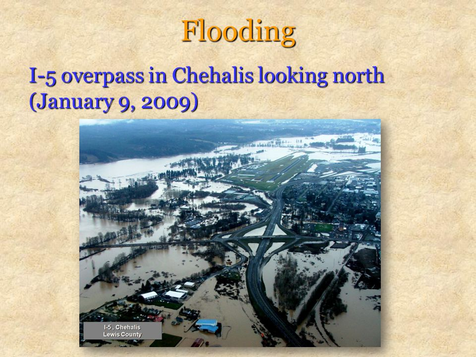 Flooding I-5 overpass in Chehalis looking north (January 9, 2009)