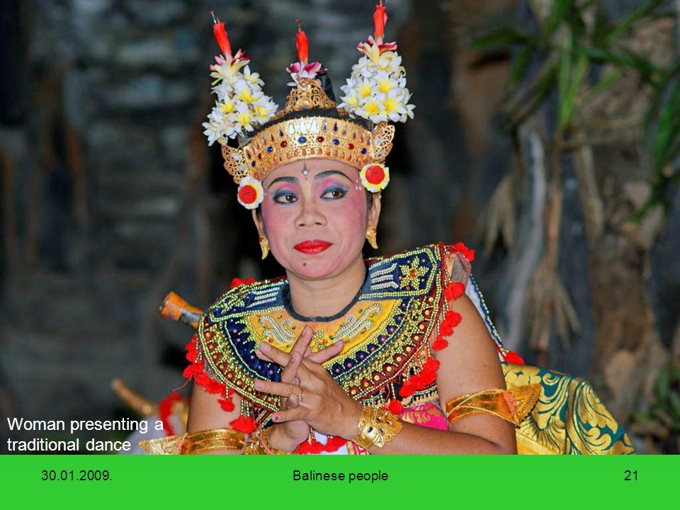 30.01.2009.Balinese people20 A short work break at Agung mount.