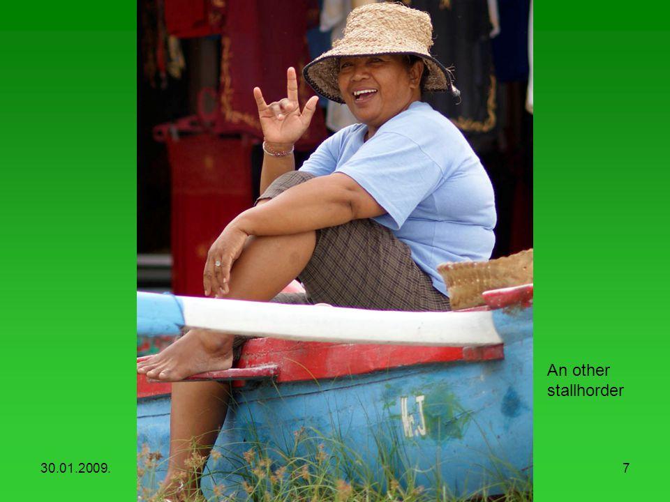 30.01.2009.Balinese people6 Stallhorders at the seaside