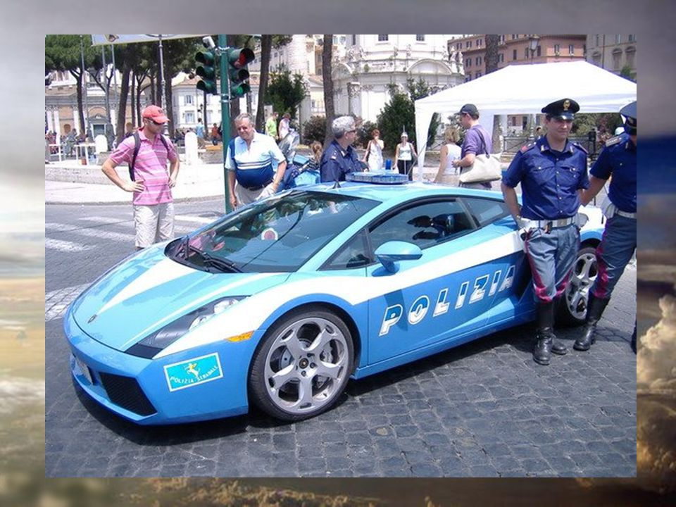 Italy: Smart Car Not quite a supercar, but I bet chases on the narrow streets of Rome are much more interesting since the Italian Police got this.
